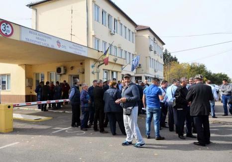 Cu capul pe şină: Bolojan a spart fără milă greva OTL-iştilor care a blocat două zile oraşul