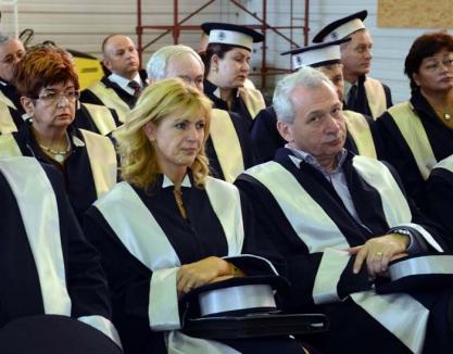Săracii bogaţi: Universitatea e în austeritate, universitarii au salarii de zeci de mii de lei