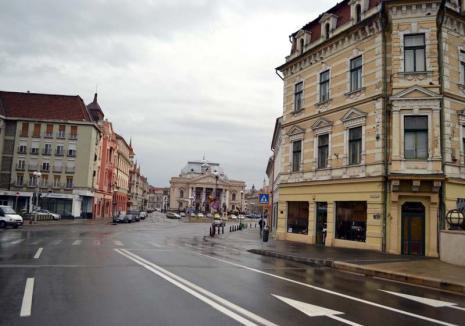 După bunul plac! Deşi suspendat de instanță, regulamentul privind orarul prelungit al firmelor e aplicat în continuare  de Primăria Oradea