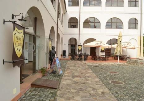 Banii înapoi! Primăria Oradea va fi penalizată pentru 'deturnarea' hotelului din Cetate