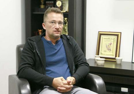 Demisionarul Sebastian Lascu: 'În PNL Bihor sunt foarte mulţi bugetari politici' (VIDEO)