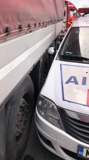 Accident grav pe șoseaua Borșului: Un poliţist rutier a fost lovit de un TIR în timp ce dirija circulaţia!