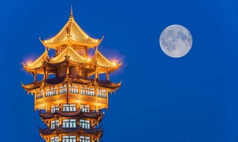 China vrea încă o Lună! Iluminatul stradal dintr-un oraş va fi asigurat de un satelit