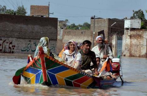 Puşi pe drumuri: Sute de milioane de oameni vor migra, din cauza climei