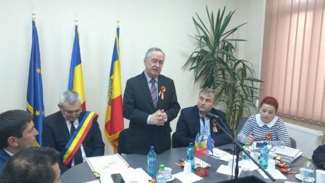 Febră unionistă: Aleşii din Aleşd, primii din Bihor care au semnat o declaraţie de unire simbolică cu fraţi dintr-o comună a Basarabiei (FOTO)