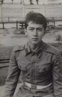 'N-a meritat deloc!'. Tatăl unui soldat orădean ucis la Revoluţie în Bucureşti spune că sacrificiul a fost degeaba