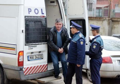 Primarul procent: Radu Olea, primarul din Budureasa pretindea şpăgi în cote fixe: 5%, 10%, 15%