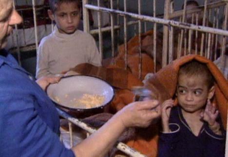 Criminalii de copii: BIHOREANUL i-a găsit pe medicii orădeni care au condus orfelinatul groazei de la Cighid. Mărturiile lor sunt şocante! (FOTO / VIDEO)