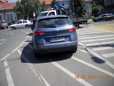Războiul parcărilor: Supărat că i s-a ridicat maşina, subprefectul a suspendat parcările galbene