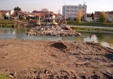 Anul Centenarului: Bolojan anunţă un 2018 plin, în care vor fi atacate lucrări de peste 100 milioane euro