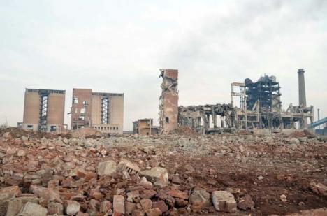 """Taxa pe """"părăseală"""": Ilie Bolojan propune majorarea de 5 ori a impozitelor pe proprietăţile industriale abandonate"""