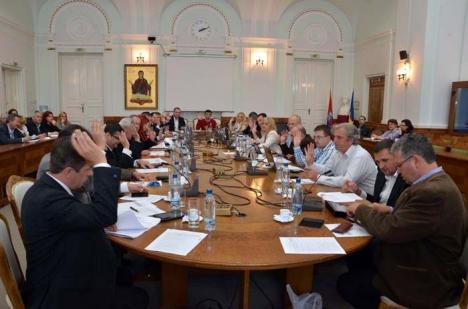 """Oradea sunt eu! Primarul Ilie Bolojan administrează oraşul la limita abuzului, prin dispoziţii date """"la secret"""""""