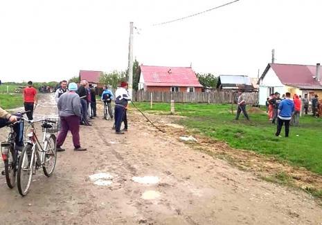Răscoala din Ortiteag: Verdict în cazul 'răscoalei' din Bihor pornite de săteni împotriva romilor prinşi la furat (FOTO)