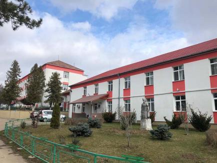 Înapoi la balamuc! O asistentă medicală din Bihor, concediată pentru furt şi indisciplină, a fost 'reangajată' de Tribunal(VIDEO)
