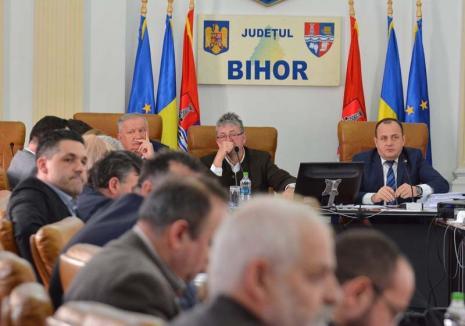 Transparenţă de... Paşti: Consiliul Judeţean Bihor pregăteşte un regulament pentru finanţarea asociaţiilor şi fundaţiilor
