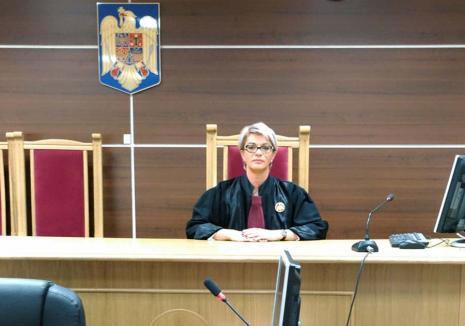 Hărţuire cu repetiţie: Judecătoare din Oradea, anchetată pentru că a scris pe un grup privat că... a fost cercetată abuziv!