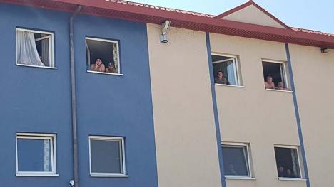 """Carantină cu fițe: Majoritatea """"stranierilor"""" întorşi în ţară sunt minoritari romi, cu comportament şi pretenţii revoltătoare (VIDEO)"""
