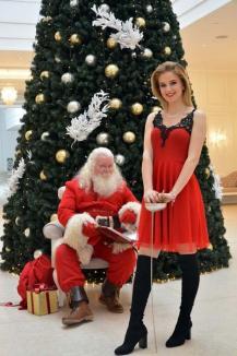 Crăciuniţă cu spadă: În ediţia specială de sărbători a BIHOREANULUI, tânăra campioană la scrimă Bianca Benea, acompaniată de Moş Crăciun, vă provoacă la duel (FOTO)