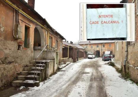 Renovare cu de-a sila: Peste 500 de familii din Oradea vor plăti impozite dublate pentru că deţin imobile părăginite