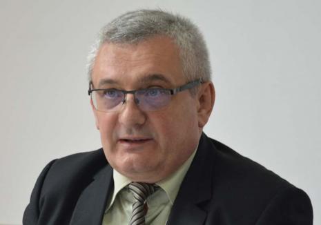 Ionică 'băiat bun': Primarul din Aleşd, Ioan Todoca, a fost iertat de bărbatul pe care l-a 'pictat' la Securitate