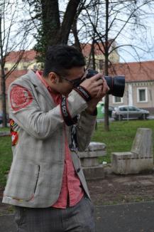 Proiect inedit: Fotograful Remus Toderici le face orădenilor portrete gratuite în Parcul Libertăţii (FOTO)