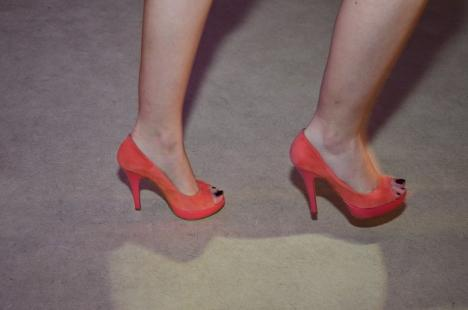 """Colorează-ţi viaţa cu încălţăminte """"hot"""" de la Benvenuti! (FOTO)"""