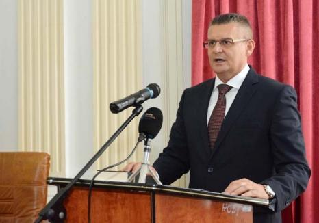 Ioan Mihaiu, noul prefect al judeţului Bihor: 'N-o să dau cu pumnul în masă!'