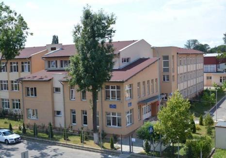 Bani pentru 'stranieri': Primăria bagă sute de mii de euro din banii orădenilor într-o şcoală privată