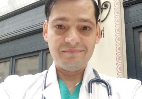 Destin vindecat: Un tânăr crescut la casa de copii a absolvit Medicina la Oradea şi visează să ajungă anestezist (FOTO)