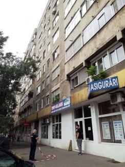 Sinucidere sau accident? Continuă investigaţia în cazul morţii medicinistei care a căzut de la etajul patru al unui bloc din Oradea
