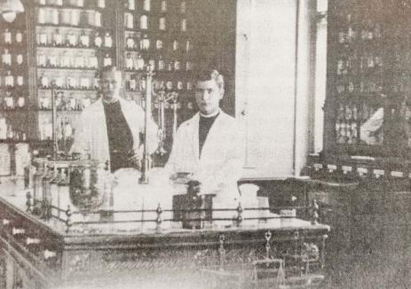 """Farmaciile Oradiei: Rețeaua farmaciilor din oraș are """"strămoși"""" vechi și renumiți (FOTO)"""