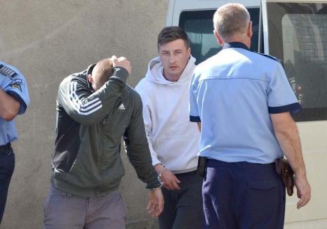 Toţi pentru unul! Poliţia Bihor, obligată să plătească daune de 5.000 euro unui bărbat bătut de un agent în sediul din Salonta