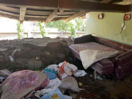 O noapte furtunoasă: Peste 50 de sate din Bihor, lovite de o furtună puternică. Vremea rămâne instabilă (FOTO)