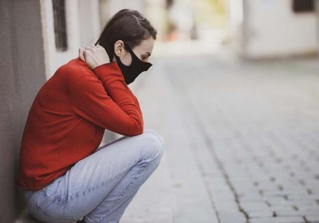 Sătui de Covid: După 8 luni de criză sanitară, mulţi bihoreni sunt afectaţi de 'oboseala pandemică'