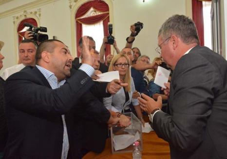Pedepsiţi pentru 'ţigănie': De ce au fost declarate nelegale şi trebuie reluate alegerile pentru şefia Consiliului Judeţean?