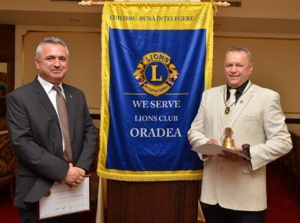 Predări de ştafetă la Leii orădeni: Clubul Lions are un nou preşedinte - Ionel Bungău (FOTO)