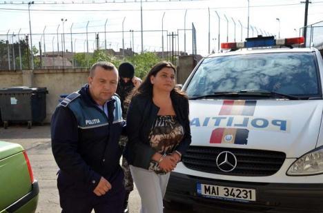 Rezolvatoarea: Şefa Verzilor, Mihaela Bodonea, se lăuda că Mang şi Ghilea au vrut să o cumpere