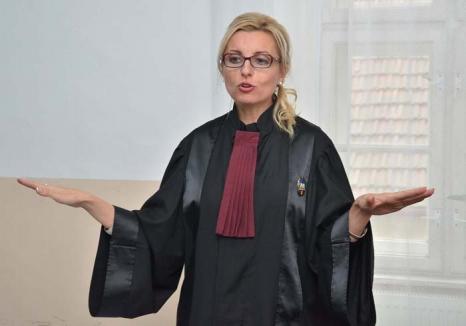 Justiţie de nota 4: Preşedinta Tribunalului Bihor a dat-o în bară la concursul pentru funcţie