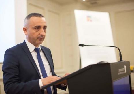 Interviu cu Felix Cozma, preşedintele Agenţiei Naţionale a Funcţionarilor Publici: 'E nevoie de o restartare a administraţiei'