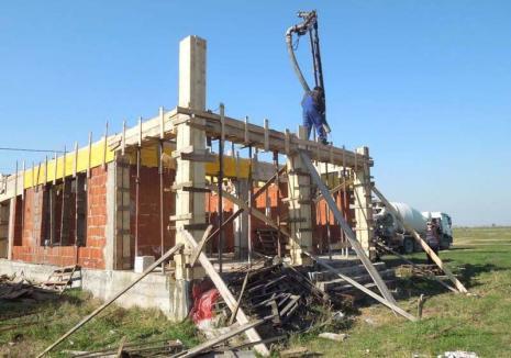 Începe debirocratizarea! Noua lege a construcțiilor simplifică procedurile și îi scutește pe bihoreni de drumuri