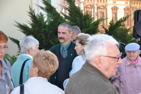 În timp ce românii sărbătoreau Ziua Oradiei, UDMR-iştii cântau Imnul Ungariei (FOTO)