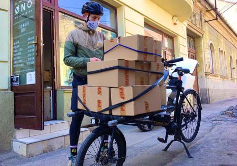 Hai acasă! Multe firme s-au reorientat din cauza crizei, trecând pe livrări la domiciliu, inclusiv de jocuri închiriate