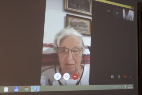 100 de voci la 100 de ani: Tereza Mózes, supravieţuitoare a Holocaustului, a vorbit din Israel cu elevii orădeni adunaţi să o sărbătorească la Muzeul Evreilor (FOTO / VIDEO)