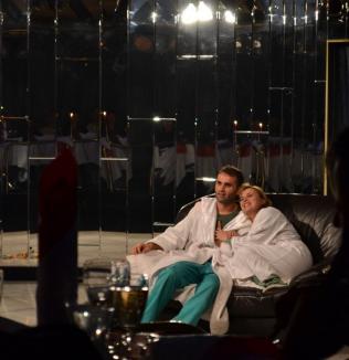 Valentine's Day cu invitaţie la sex, la Hotel Continental (FOTO)