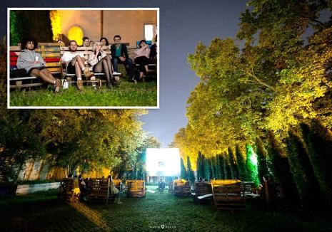 Seri la CineMA: O grădină din Oradea a devenit 'sală' de cinema, unde pot fi urmărite documentare impresionante şi filme artistice. Vezi programul!