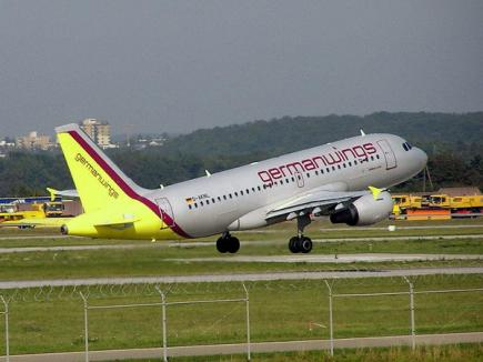 Cafea cu surprize: trei avioane alimentate cu kerosen în loc de apă