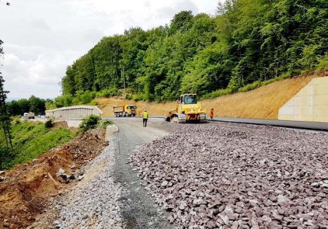 Ţeapă de drumar: Lucrările pe DN 76, între Ştei şi Vârfuri, s-au oprit din cauza Construct Mod