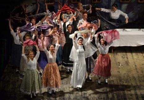 Teatru şi iar teatru: În noiembrie, cele două teatre din Oradea îşi aşteaptă publicul cu premiere, spectacole de succes şi dansuri 'sălbatice'