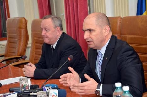 """""""Shopping"""" la secret: Consiliul Judeţean îşi face achiziţiile prin proceduri netransparente"""