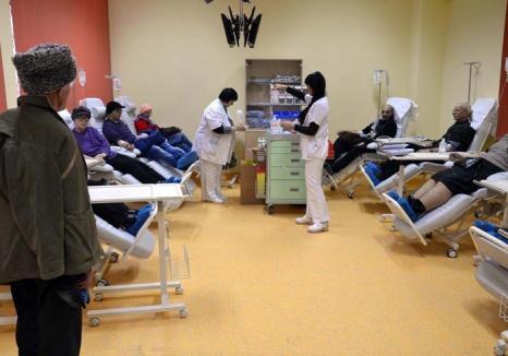 În război cu cancerul: La Centrul Oncologic din Oradea, aparatura şi medicii sunt suprasolicitaţi